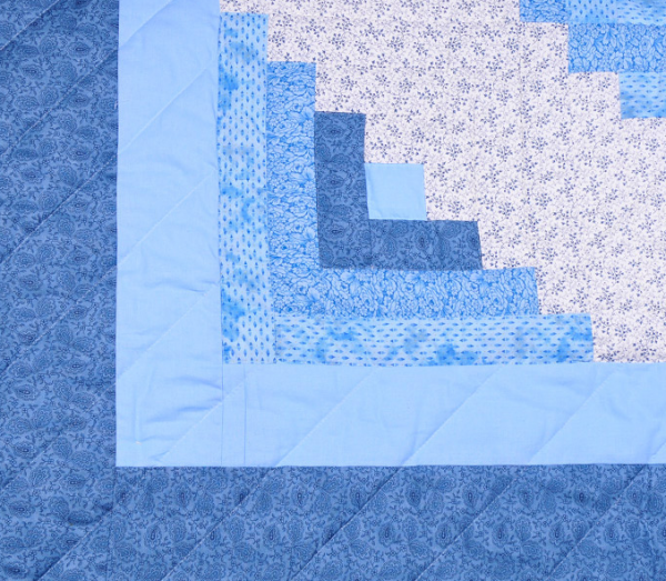 blue log cabin quilt