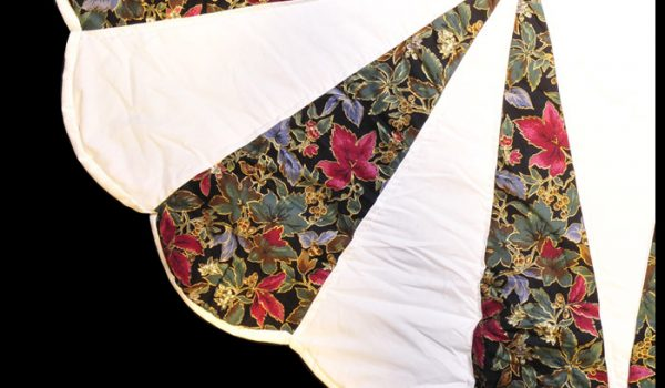 dhalia white red quilt