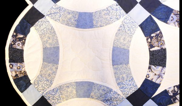 double wedding white blue quilt
